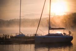 Bieszczady Jezioro Solińskie o wschodzie słońca Ewa Szydłowska Masaże ajurwedyjskie i orientalne w Bieszczadach
