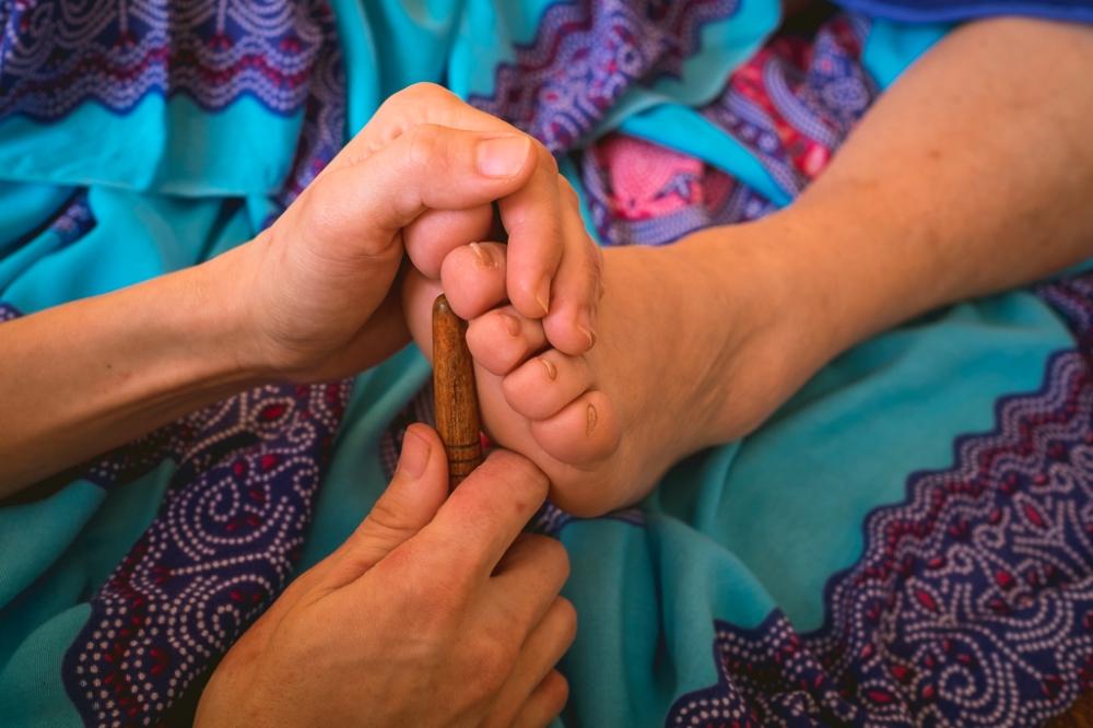 Tajski masaż stóp Ewa Szydłowska Masaże ajurwedyjskie i masaż tajski w Bieszczadach